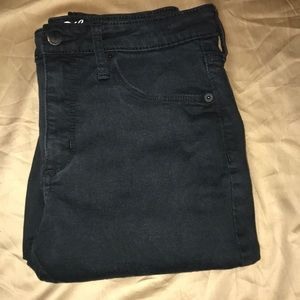 Black mid/high waisted skinny jeans